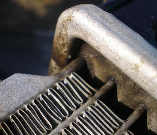 течь радиатора автомобиля