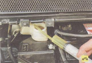 Замена бачка главного тормозного цилиндра Ford focus 2 и 2 рестайлинг