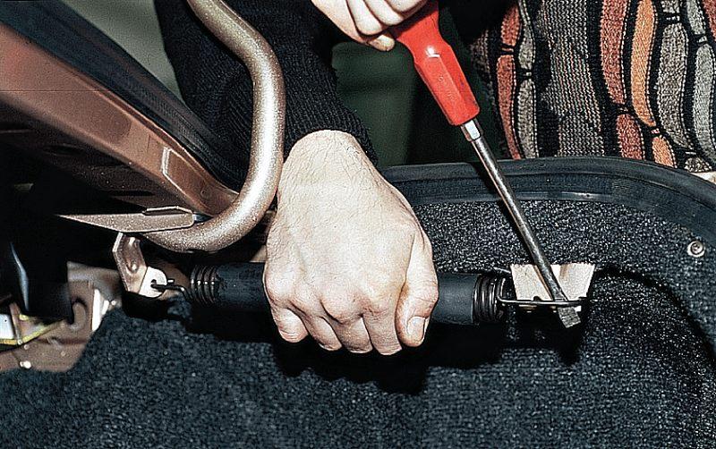 Как сделать пружину на багажник 294