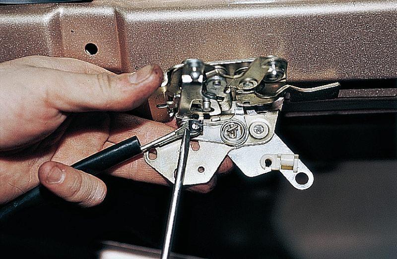 Фото №4 - механизм открывания двери ВАЗ 2110