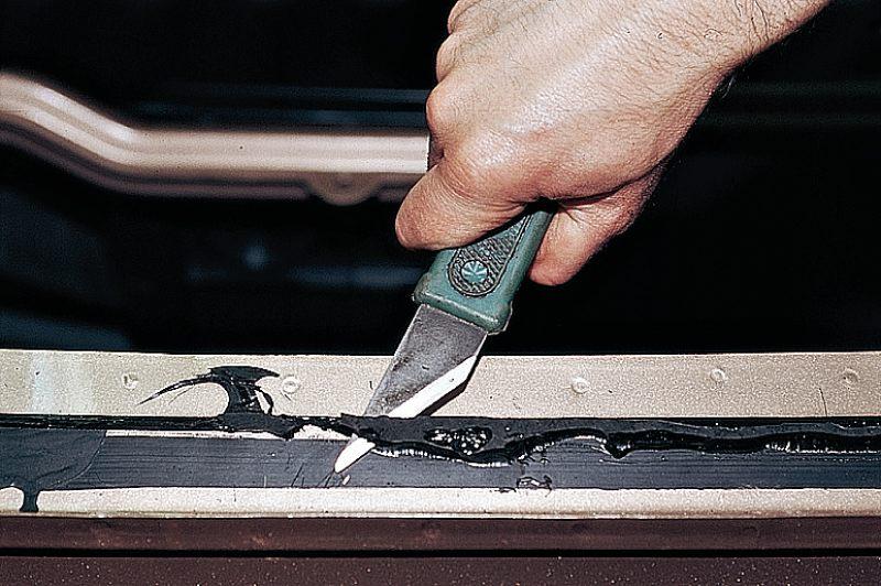 Фото №18 - вклейка лобового стекла ВАЗ 2110