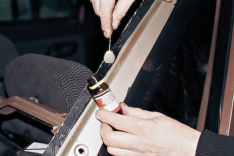 Фото №20 - вклейка лобового стекла ВАЗ 2110