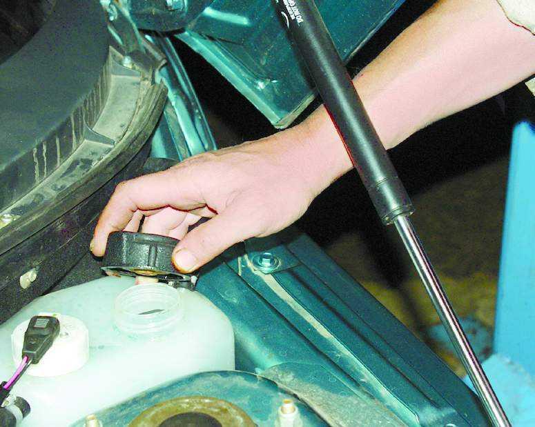 Фото №11 - промывка системы охлаждения ВАЗ 2110