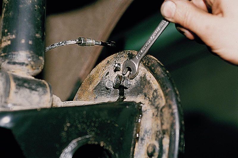 Фото №7 - замена передних тормозных цилиндров ВАЗ 2110