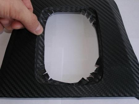 Как обклеить детали салона автомобиля карбоном (пленкой под карбон)
